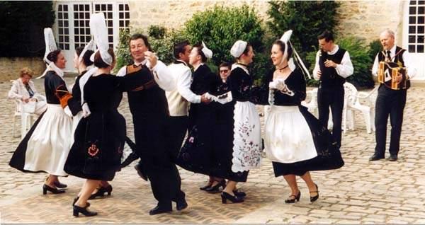 danse-bretonne-plouharnel